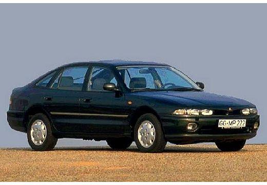 MITSUBISHI Galant II hatchback czarny przedni prawy