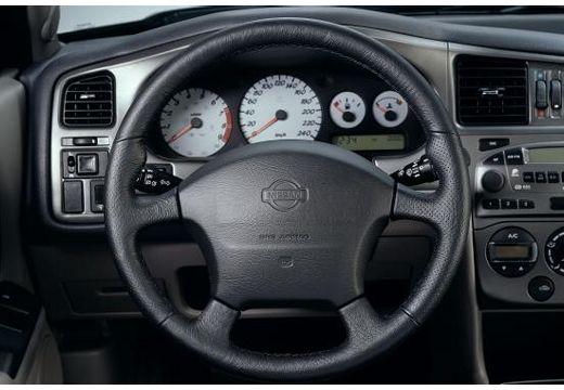 NISSAN Primera III hatchback tablica rozdzielcza