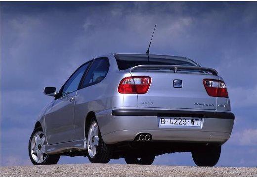 SEAT Cordoba coupe silver grey tylny lewy