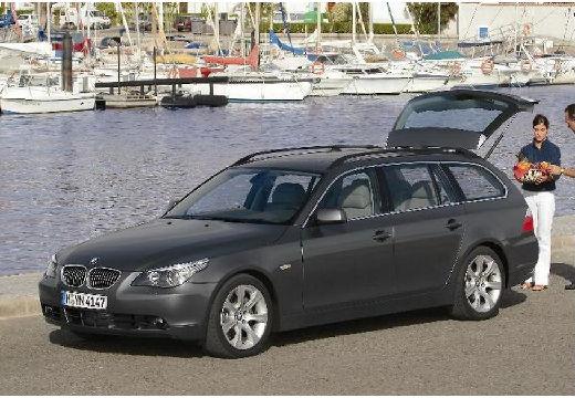 BMW Seria 5 Touring E61 I kombi szary ciemny przedni prawy