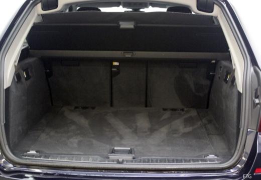 BMW Seria 5 Touring F11 I kombi przestrzeń załadunkowa