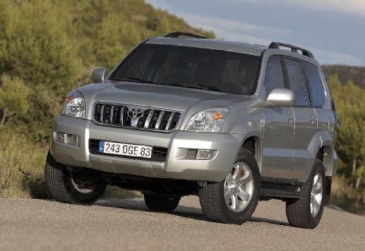 Toyota Land Cruiser 120 kombi silver grey przedni lewy
