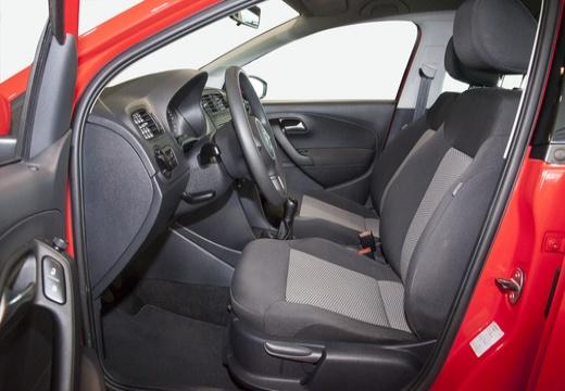 VOLKSWAGEN Polo V I hatchback wnętrze