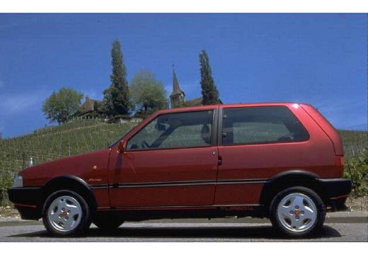 FIAT Uno I hatchback boczny lewy