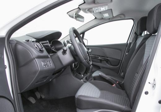 RENAULT Clio kombi wnętrze