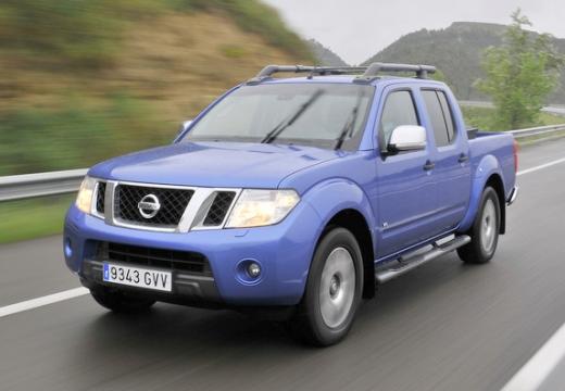 NISSAN Navara III pickup niebieski jasny przedni lewy