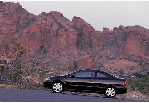 OPEL Astra coupe czarny boczny lewy