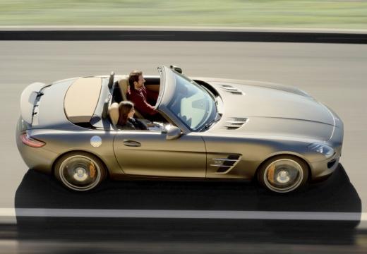 MERCEDES-BENZ SLS AMG roadster brązowy boczny prawy