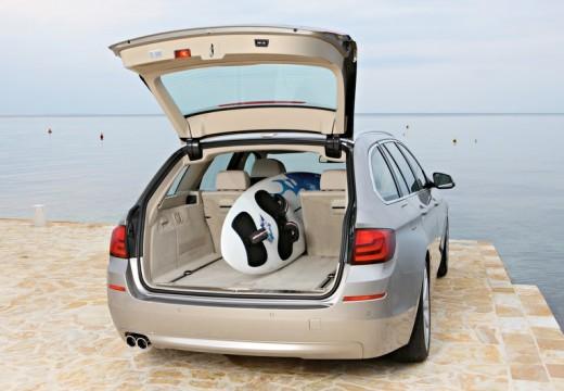 BMW Seria 5 Touring F11 I kombi silver grey tylny prawy