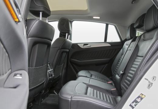 MERCEDES-BENZ Klasa GLE 292 hatchback wnętrze