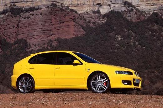 SEAT Leon I hatchback żółty przedni prawy