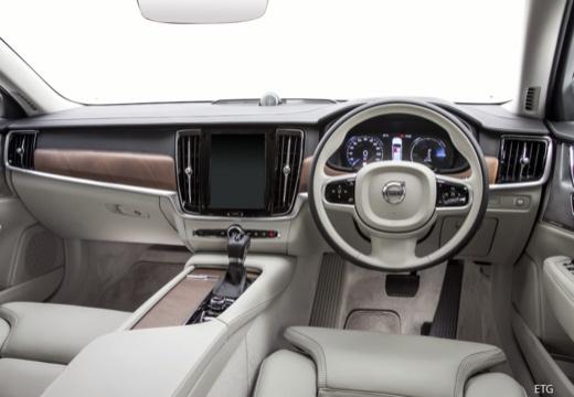 VOLVO S90 I sedan czarny tablica rozdzielcza
