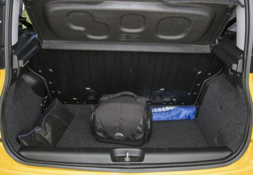 FIAT Panda III hatchback żółty przestrzeń załadunkowa