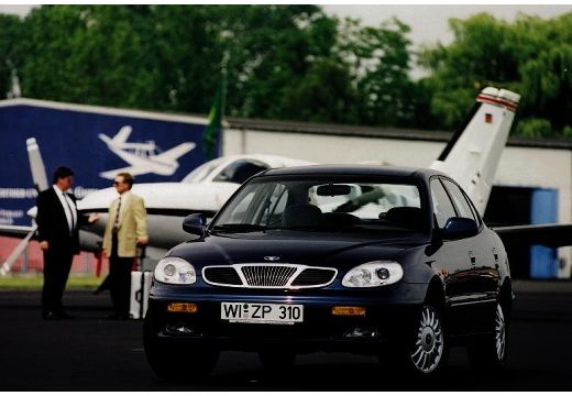 DAEWOO / FSO Leganza I sedan czarny przedni lewy