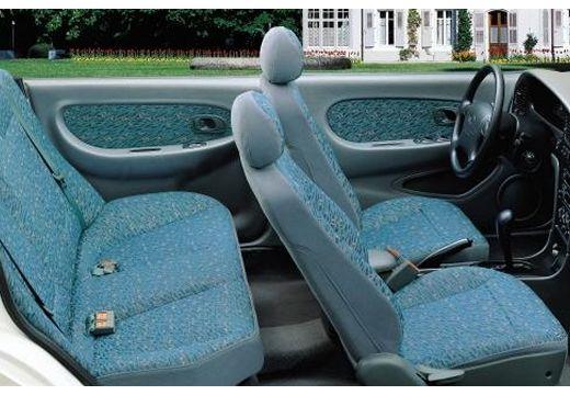 KIA Shuma hatchback wnętrze