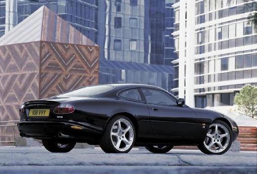JAGUAR XK8 I coupe czarny tylny prawy