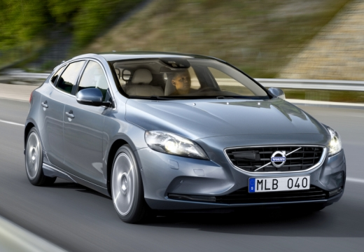 VOLVO V40 D2 R-Design Kinetic Hatchback IV 1.6 115KM (diesel)