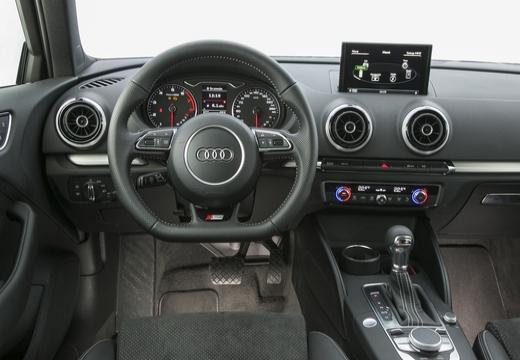 AUDI A3 8V hatchback tablica rozdzielcza