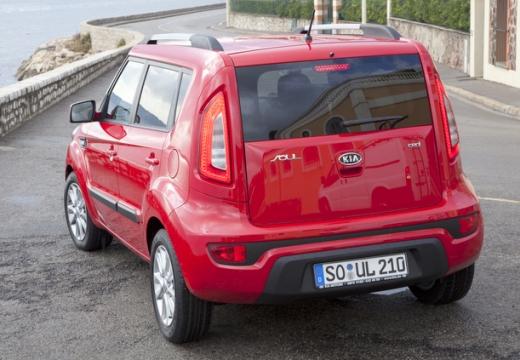 KIA Soul II hatchback czerwony jasny tylny lewy