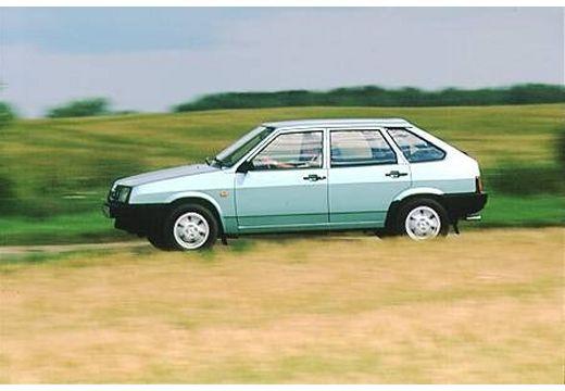 LADA Samara hatchback zielony jasny boczny lewy