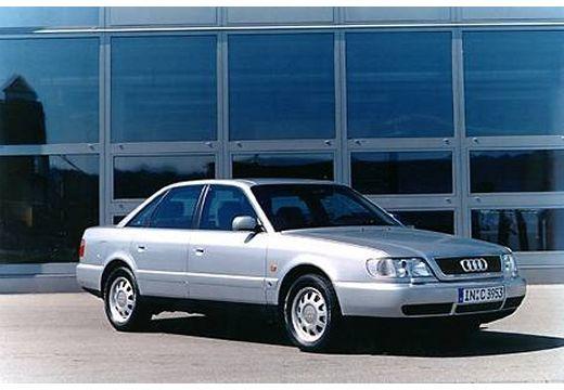 AUDI A6 /S6 C4 sedan silver grey przedni prawy