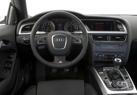 AUDI A5 kabriolet tablica rozdzielcza