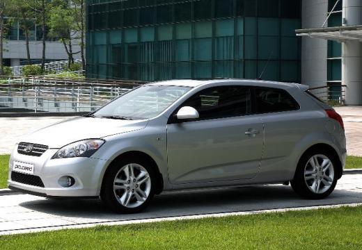 KIA Ceed Proceed II hatchback silver grey przedni lewy