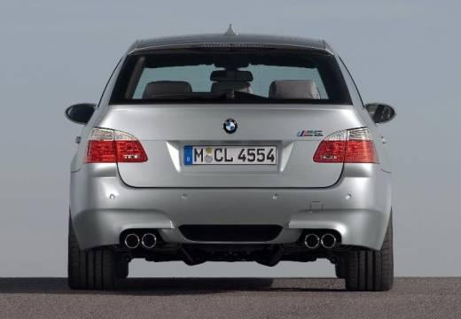 BMW Seria 5 Touring E61 II kombi silver grey tylny