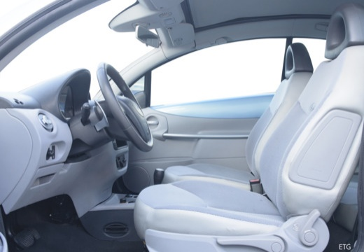 CITROEN C3 Pluriel hatchback wnętrze