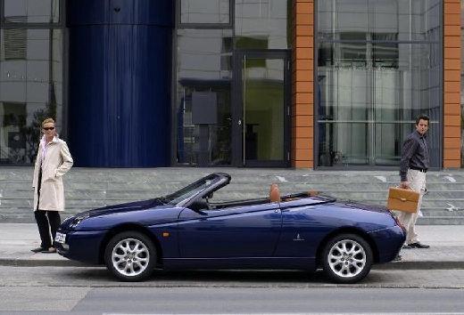 ALFA ROMEO Spider IV kabriolet niebieski jasny boczny lewy