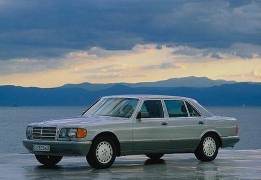 MERCEDES-BENZ 126 sedan silver grey przedni lewy