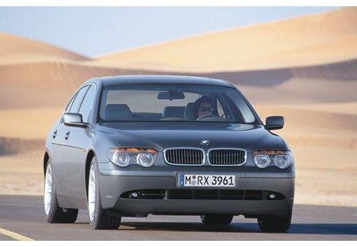 BMW Seria 7 E65 E66 I sedan szary ciemny przedni prawy