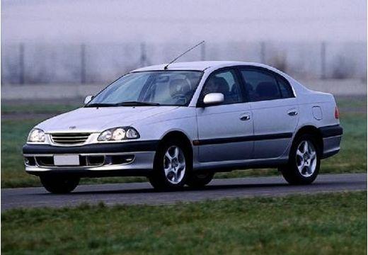Toyota Avensis I sedan silver grey przedni lewy
