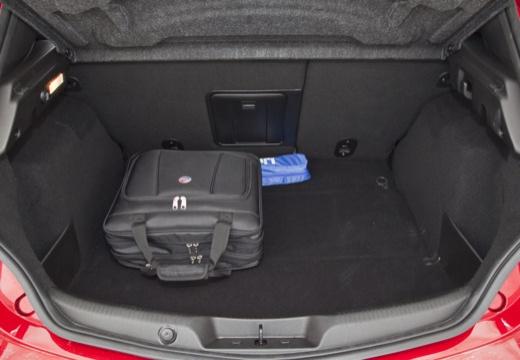 ALFA ROMEO Giulietta II hatchback przestrzeń załadunkowa
