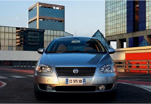 FIAT Croma 2.2 16V Emotion aut Kombi II 147KM (benzyna)