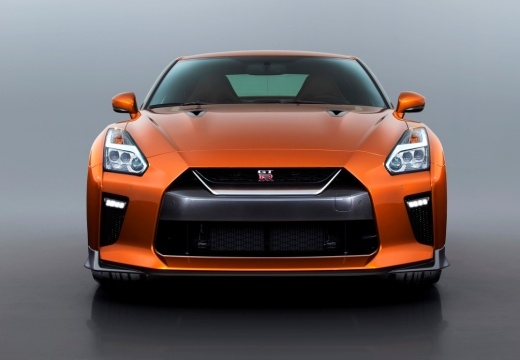NISSAN GT-R coupe pomarańczowy przedni