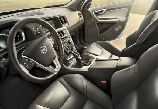 VOLVO S60 V sedan wnętrze