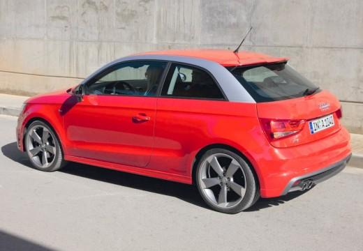 AUDI A1 I hatchback czerwony jasny tylny lewy