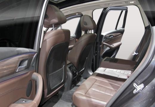 BMW X3 X 3 G01 kombi wnętrze