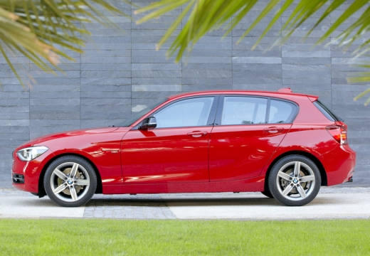 BMW Seria 1 F20 I hatchback czerwony jasny boczny lewy
