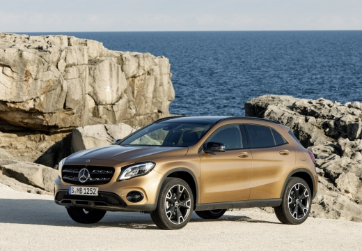 MERCEDES-BENZ Klasa GLA Hatchback