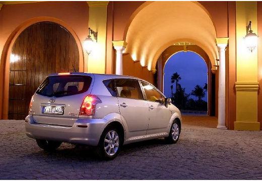 Toyota Corolla Verso II kombi mpv silver grey tylny prawy