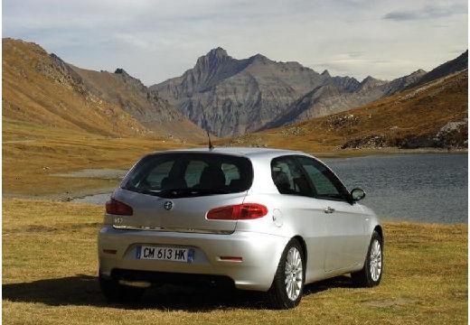 ALFA ROMEO 147 II hatchback silver grey tylny prawy