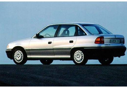 OPEL Astra I sedan silver grey tylny lewy