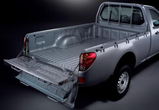 MITSUBISHI L 200 II pickup silver grey tylny prawy