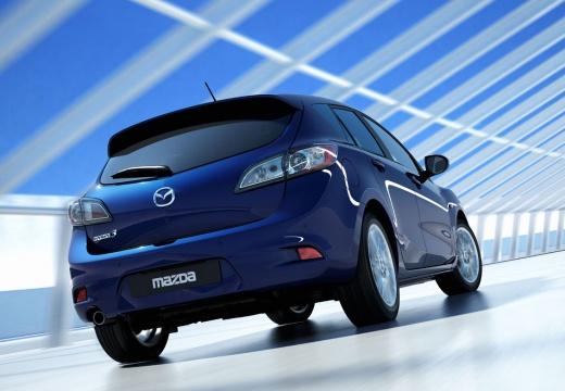 MAZDA 3 IV hatchback niebieski jasny tylny prawy