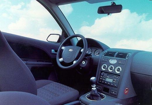 FORD Mondeo 1.8 Trend Kombi III 125KM (benzyna)