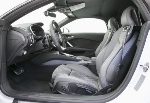 AUDI TT III roadster wnętrze