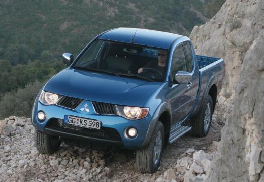 MITSUBISHI L 200 II pickup niebieski jasny przedni lewy