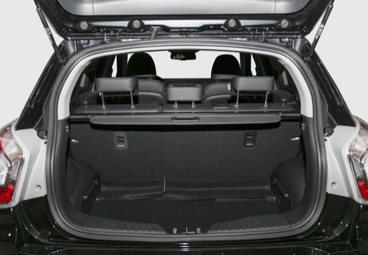 SSANG YONG Tivoli hatchback czarny przestrzeń załadunkowa